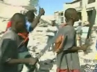 gangs-armed-with-machetes-loot-port-au-prince
