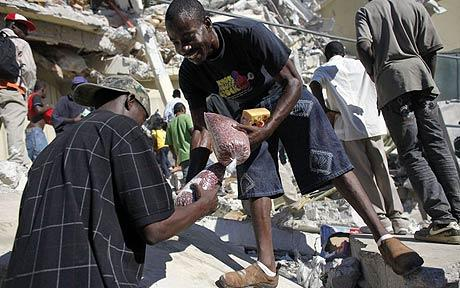 haiti-earthquake-law-and-order-breaks-down-01