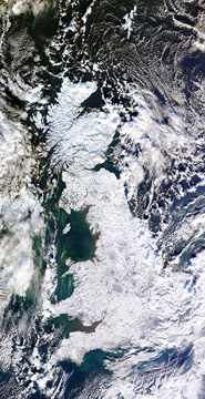 nasa-satellite-image-of-a-snow-covered-uk