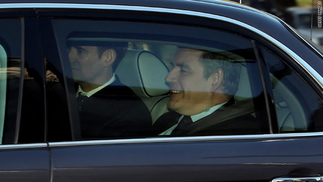elite-puppet-gordon-brown-arrives