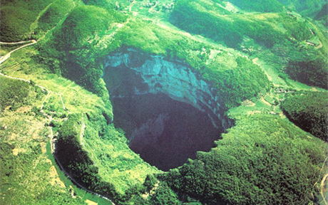 sinkholes-in-china_03