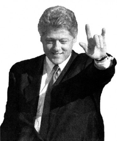 bill_clinton-handsign