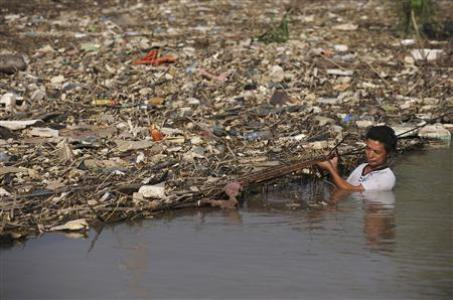 china_garbage-islands-threaten-three-gorges-dam