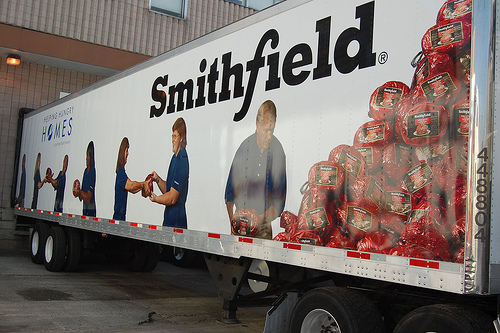 smithfield foods analysis Executive summary four corporations control 66 percent of the us hog market,  as of 20071 at the top of this list is smithfield foods, which slaughters 27.
