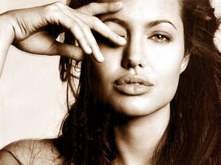 angelina-jolie-eye-of-horus1