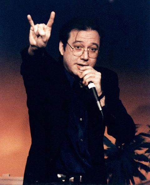 http://www.infiniteunknown.net/wp-content/uploads/2013/06/Bill-Hicks-satanic-handsign.jpg