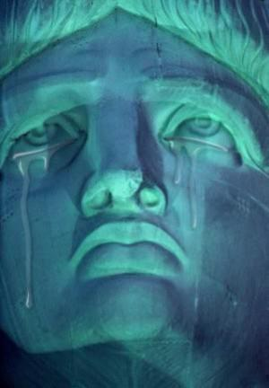 Statue_of_Liberty-crying