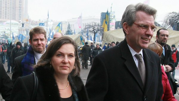 Assistant US Secretary of State Victoria Nuland and US ambassador to Ukraine Jeffrey Payette seen after meeting with the Ukrainian opposition leaders on the Nezalezhnost