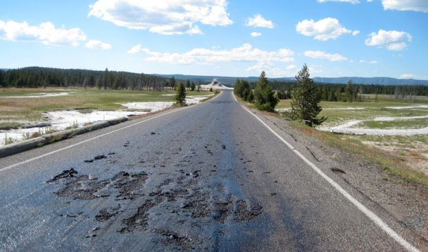Yellowstone-Road-Melting-July-2014