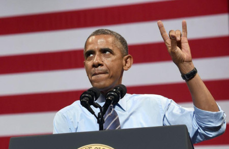 obama-handsign-satanic-salute