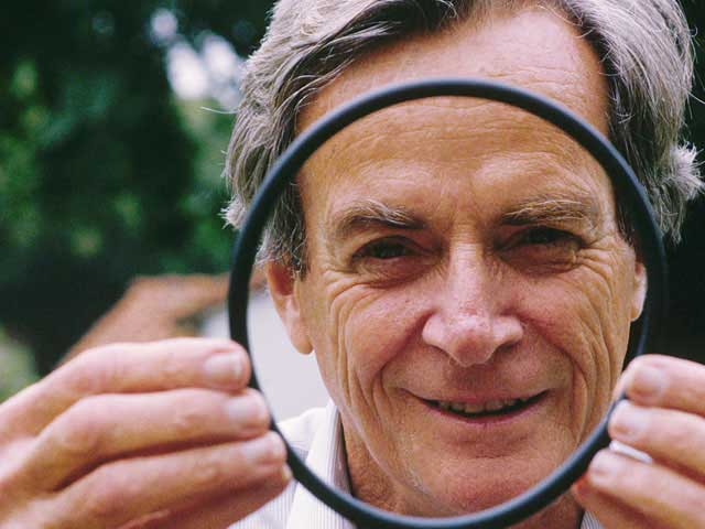 richard feynman Richard p feynman was born in new york city on the 11th may 1918 he studied at the massachusetts institute of technology where he obtained his bsc in 1939 and at princeton university.