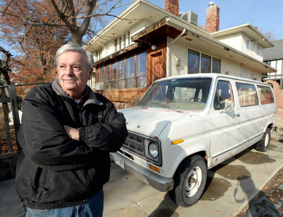 Salt Lake City slaps on 14,400 dollar fine for dead van in driveway