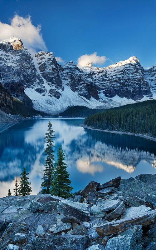 Valley of Ten Peaks, Banff National Park in Alberta, Canada