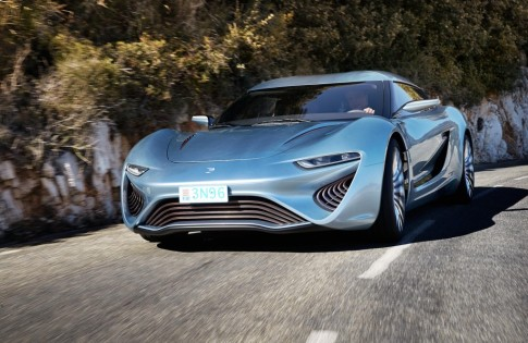 salt-powered-qaunt-quant-e-sportlimousine-electric-salt-water-car