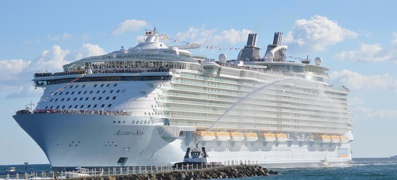 45-Stunning-Photos-from-the-Largest-Cruise-Ship-Ever-title