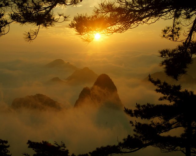 huangshan-sea-of-clouds-sunrise