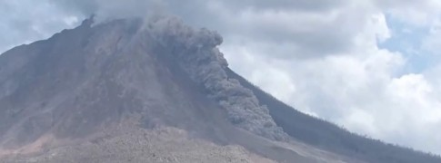 sinabung_pyroclastic_flow_on_july272015