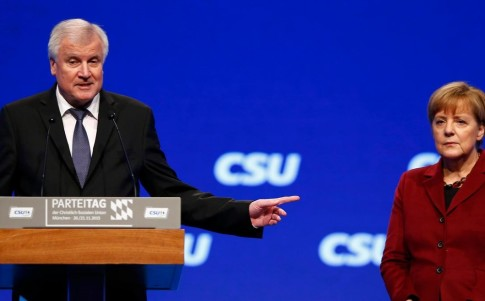 no-upper-limit-for-refugees-merkel-issued-seehofer-cancellation