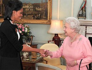 Michelle-Obama-Masonic-Handshake