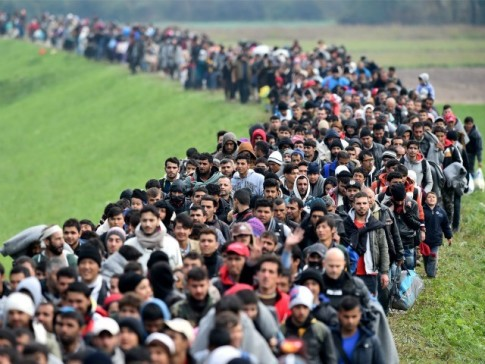Migrants-Crowds-Cross-Into-Slovenia