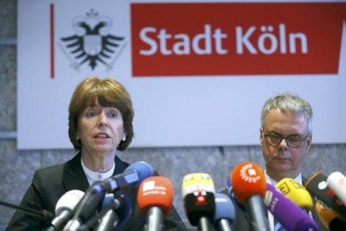 Cologne Mayor Henriette Reker and President of the Cologne Police Wolfgang Albers (R) hold a news confernece in Cologne, Germany, January 5, 2016. REUTERS/Wolfgang Rattay
