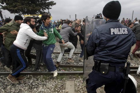migrants-clash-2