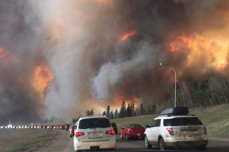 Fort-McMurray-Fire-Photo-by-DarrenRD-460x306