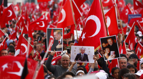 Supporters of Turkish President Tayyip Erdogan