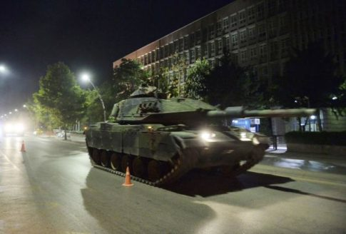 A Turkish army tank drives on a street in Ankara, Turkey July 16, 2016.     REUTERS/Stringer