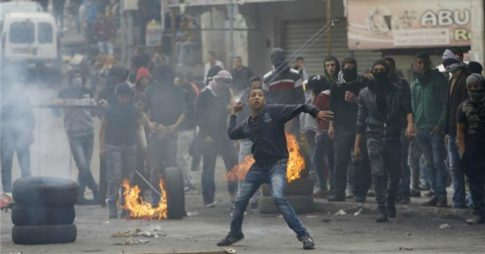 palestine_stone_throwing