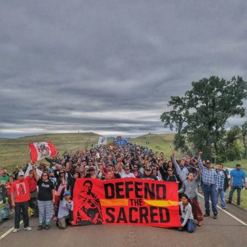 10-images-that-perfectly-illustrate-the-struggle-against-the-dakota-access-pipeline