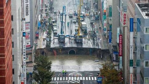 giant-sinkhole-swallows-japanese-city-street