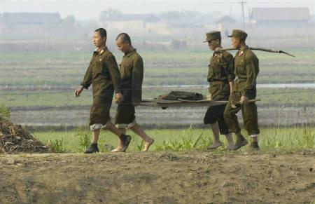 north-korean-soldiers