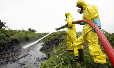 a-dutch-team-tackle-toxic-waste-from-trafigura