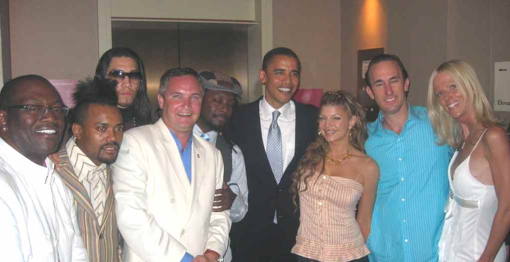 white-house-party-crashers-with-obama-in-2005