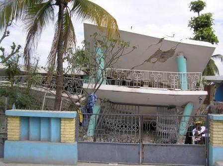 haiti_collapsed-home_003