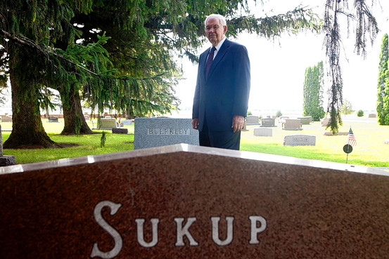 eugene-sukup-81-visits-the-grave-of-his-parents