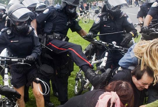 g20-riot-police