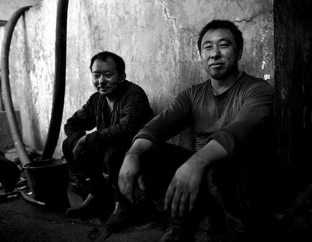 low-income-coal-miners-rest-before-starting-their-shift-in-a-privately-run-coal-mine-close-to-you-fang-liang-ningxia-province-north-eastern-china