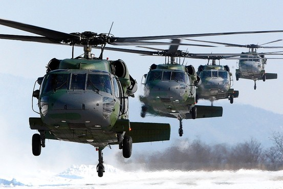 blackhawk-uh-60-helicopters