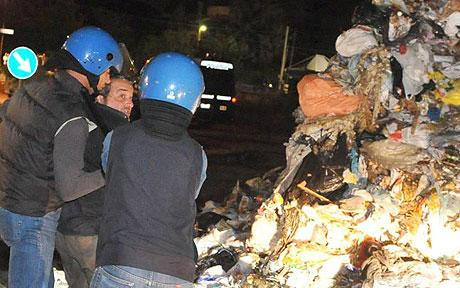 italy_riots-over-plans-to-build-rubbish-dump-on-slopes-of-mt-vesuvius