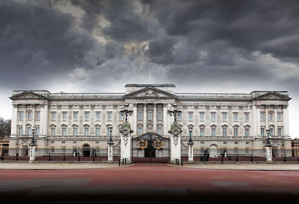 queen-tried-to-use-state-poverty-fund-to-heat-buckingham-palace