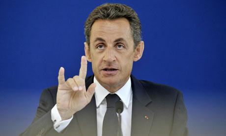 Nicolas-Sarkozy-hand-sign