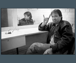 Bill-Hicks-handsign