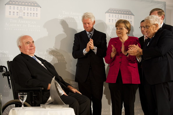 Bill-Clinton-Helmut-Kohl-Kissinger-Merkel