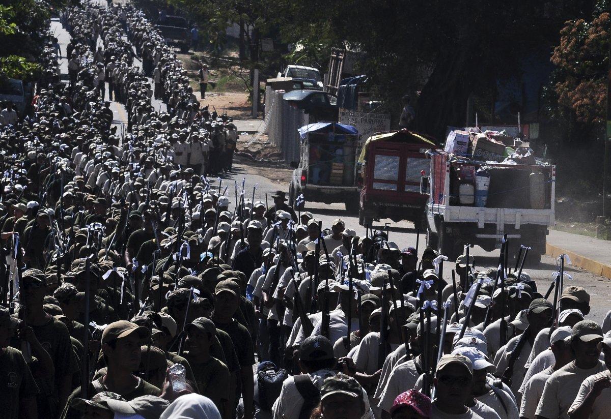 Mexican Vigilantes Battling A Drug Cartel For Control Of A City