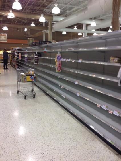 Bread-aisle-of-a-Kroger-in-the-Atlanta-area