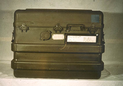 Special_Atomic_Demolition_Munition_carrying_case