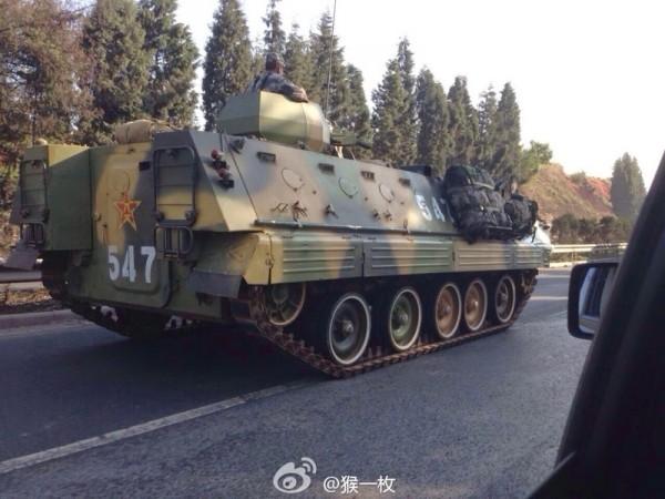 ChineseMilitaryBTR_1405171649331657-600x450