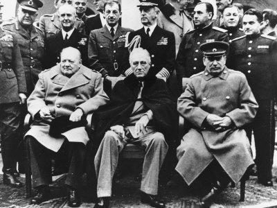 winston-churchill-franklin-roosevelt-joseph-stalin-yalta-conference